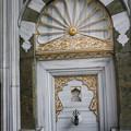 モスクの外側の装飾も凄いです