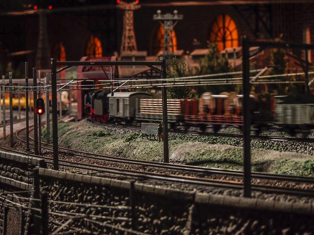 列車通過中