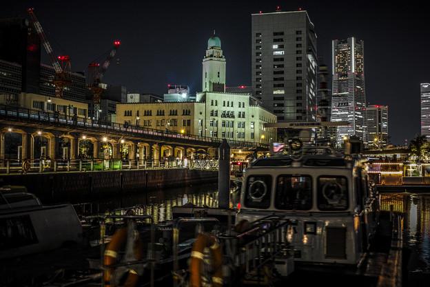 Photos: 横浜港Queenの塔HDR