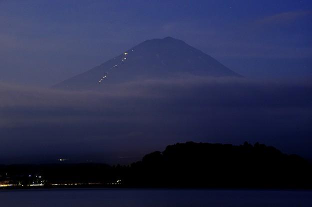 月光写真 河口湖大石公園02登山客の光