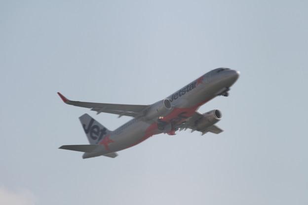 ジェットスタージャパン エアバスA320 JA13JJ 離陸 (8)