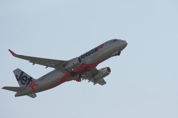 ジェットスタージャパン エアバスA320 JA13JJ 離陸 (9)