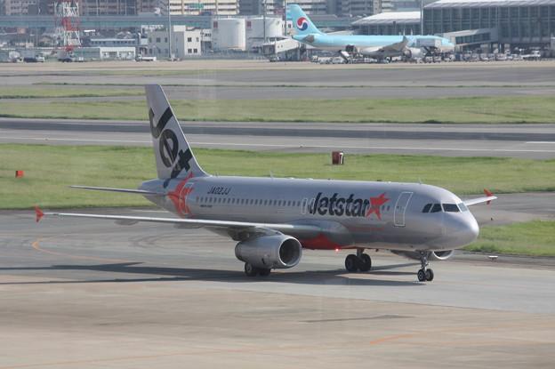 ジェットスタージャパン エアバスA320 JA02JJ (1)