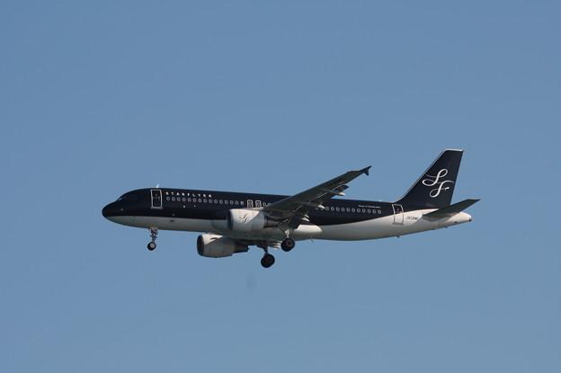 スターフライヤー エアバスA320-200 JA08MC