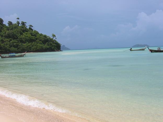 ピピ島の波打ち際