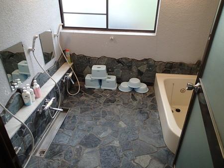 ライダーハウスHAYATE 共同浴室