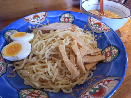 よしきゅう 上下浜店 煎りにんにくつけ麺 ¥800