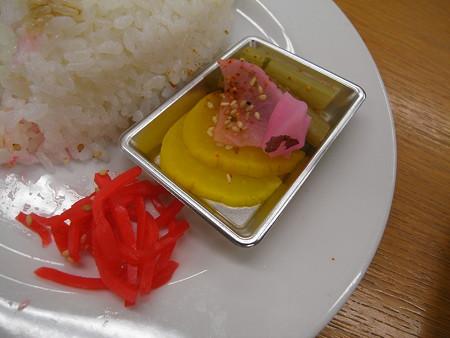 宝亭 餃子定食(出前) 漬物