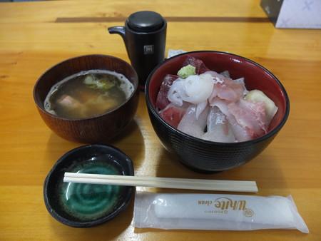 市場のすし屋 海鮮丼 ¥600