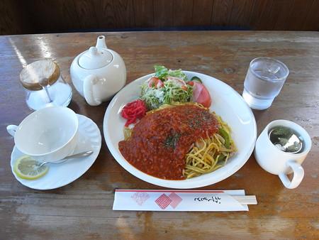 ロッジレルヒ イタリアン焼きそば ホット紅茶セット ¥750