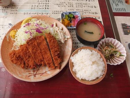 銭形 高田分店 とんかつ定食(並) ¥1350