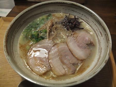 讃岐うどん房 鶴越 煮干し豚骨らーめん(期間&数量限定) ¥600
