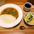 写真: エチオピアカリーキッチン 御茶ノ水ソラシティ店のサンバルセット(ドリンク、サラダ付) 380円