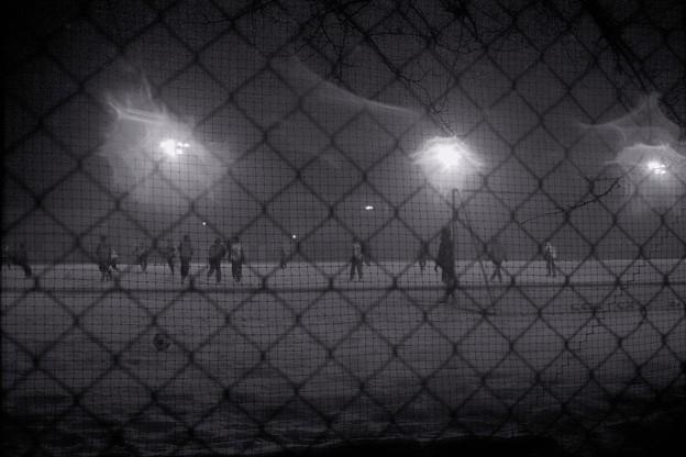 吹雪の夜のサッカー