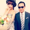 写真: 麻里ちゃんとタモリさん
