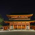 夜の平安神宮応天門