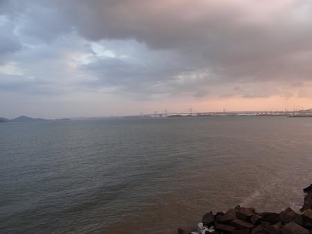 夜明け前の瀬戸大橋