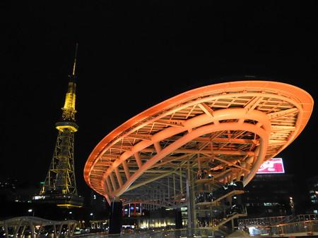 名古屋テレビ塔とオアシス21