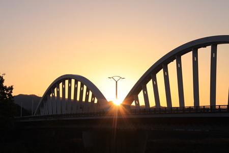久澄橋の日の出