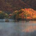 美々しい曽原湖
