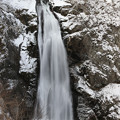 Photos: 谷間に轟く大滝