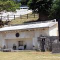 写真: 儀間真常の墓
