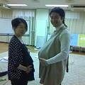 Photos: 両親学級で妊婦体験。重いし暑い。。。ちょっと情けない記念撮影w