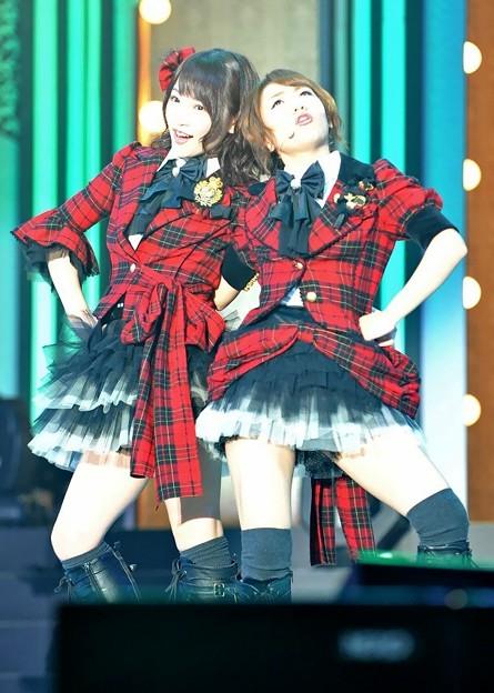 「ぱちスロAKB48」先行展示会イベント_2013.05.28-川栄李奈&高橋みなみ1