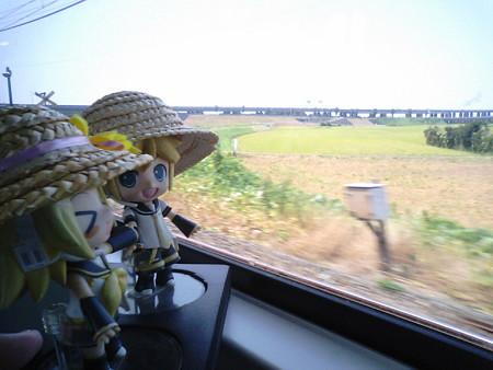 袖ヶ浦→巌根間。 レン:「旅行ほとんど中止だったから、本当にお盆...