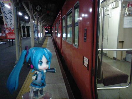 浜坂駅に到着、すぐに豊岡行きに乗り換えます。この浜坂駅で必ず乗り...