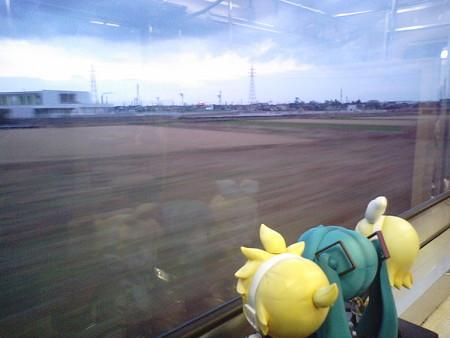 富山→東富山間。ひとまず定刻に富山駅を出発しました。