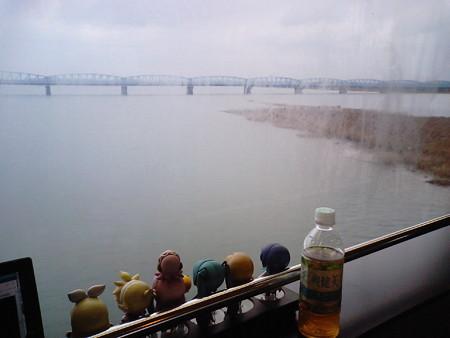 新潟→豊栄間、新崎付近。阿賀野川を渡ります。