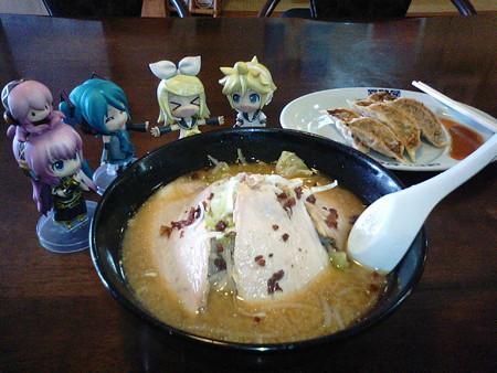 味噌チャーシュー麺いきまぁーす!! リン:「やったぁー♪♪♪ お...