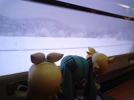 名寄→美深間、日進付近。 リン:「きゃーー!! 猛吹雪!!!」 レ...