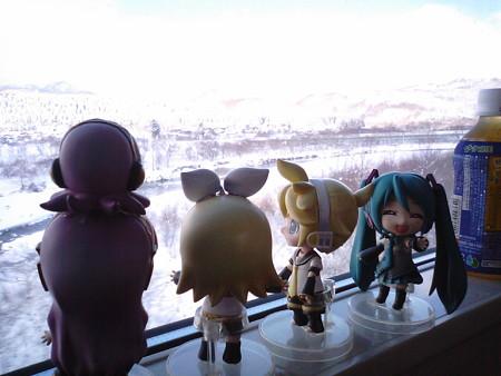 リン:「青函トンネル出、出~~~~~~~!!!」 ミク:「北海道上...