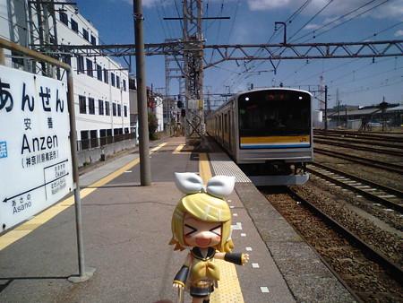 次は隣の駅、海芝浦支線の分岐点の浅野駅に行きます。 ■安善  11:03 ...