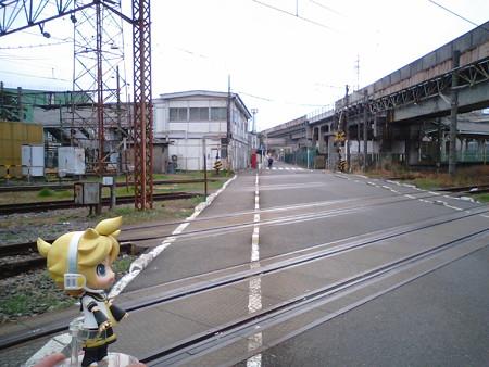 浜川崎駅は特殊なことになっていて、鶴見線と南武支線の駅舎はそれぞ...