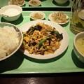 写真: 新宿で昼メシw 定食630円だってw 酒は全部315円。 二杯目いったったwww 今...