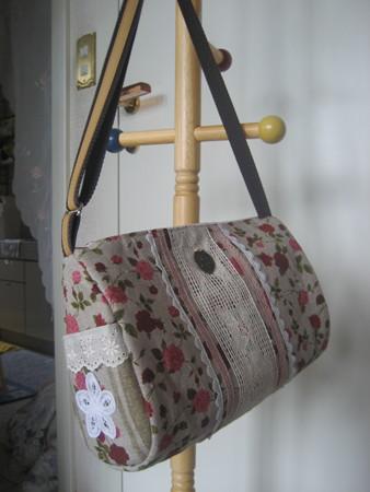 STOFのRITAとANAISでドロップ型バッグ