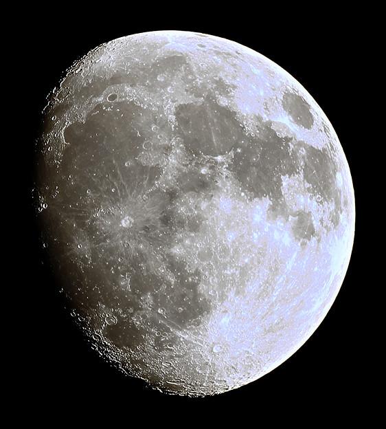 moon_6258c600k0422p