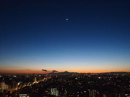 弦月と富士