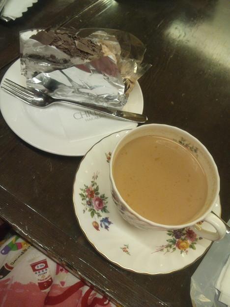 クリスティでお茶ヽ(・∀・)ノ チョコバナナケーキとチャイティ