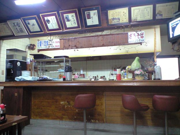 086「赤井食堂」店内