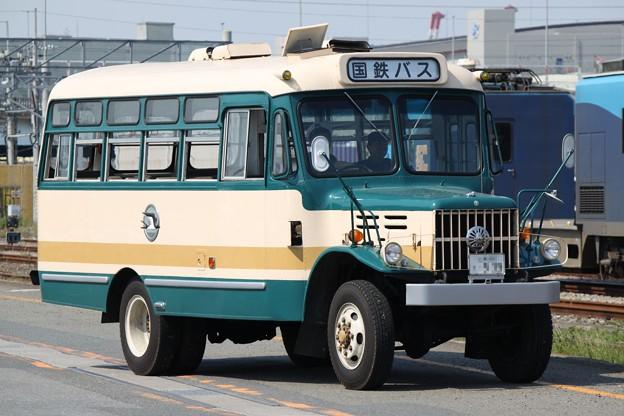旧国鉄バス塗装 いすゞTSD40(国鉄バス表示)