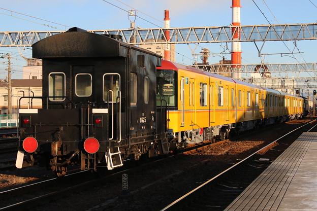 Photos: ヨ8925+銀座線1000系 1110F+EF65 2121 甲種輸送