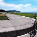 写真: 大浜海岸から東を望む
