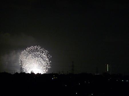120801-横浜港花火 (126)