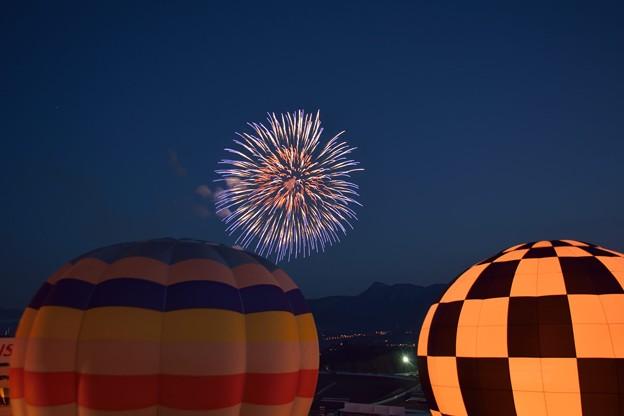 花火と気球のコラボ