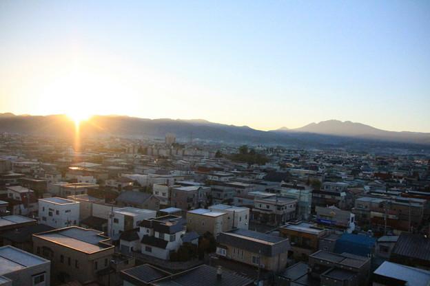 Photos: 日の出と八甲田山01-12.10.27