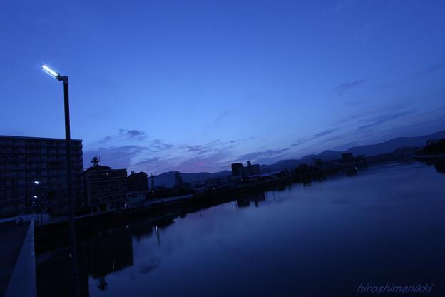 寂しすぎる川